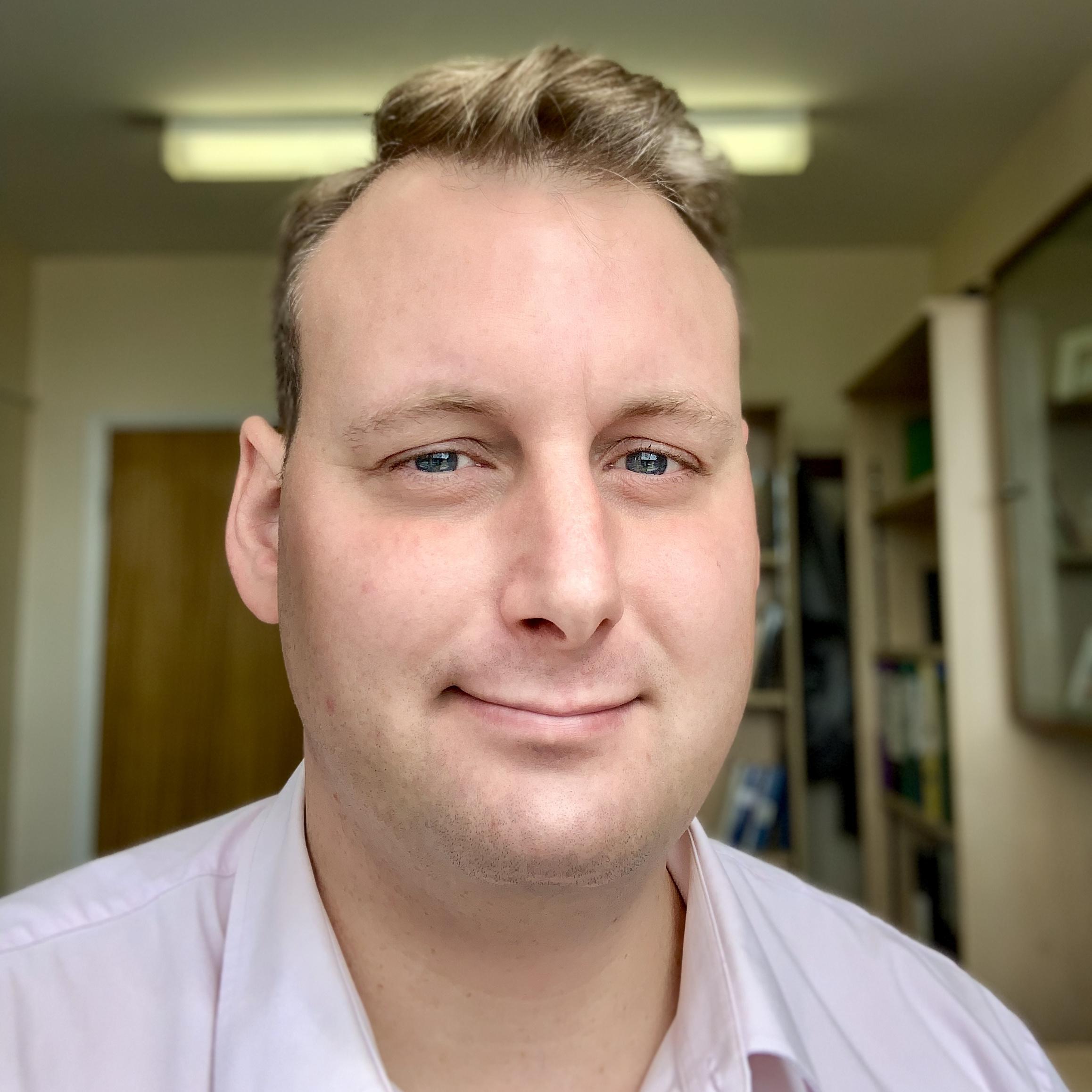 Photo of Dr Daniel Colquitt